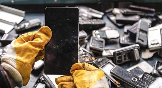 Переработка смартфонов