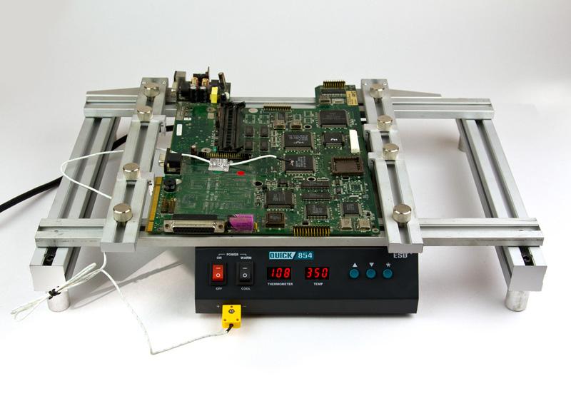 Столик Tornado для фіксації друкованої плати над переднагрівачем плат Quick 854