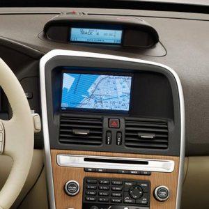 6.5 Автомобильный сенсорный монитор для Volvo New XC60 2009 в интерьере.
