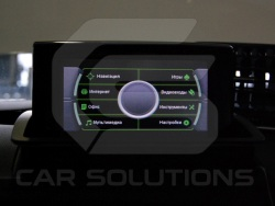 Штатный монитор Audi Q3 после установки навигационного блока CS9100