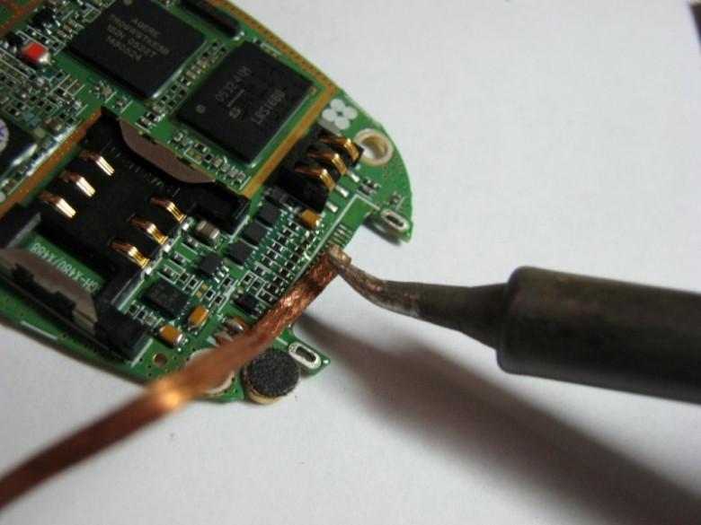 Removing solder