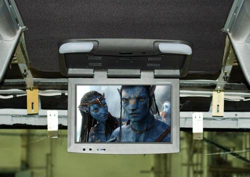 Установка потолочных мониторов в автобусе