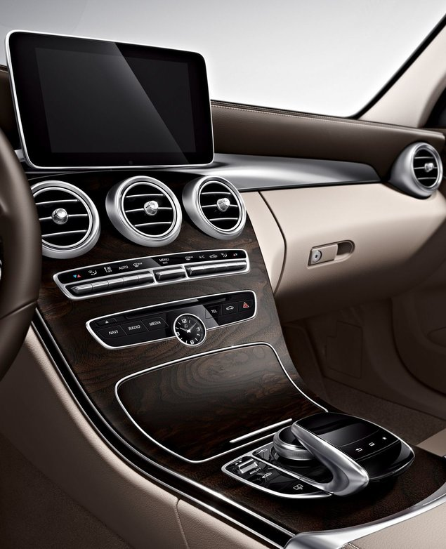 Mercedes-Benz NTG5 head unit
