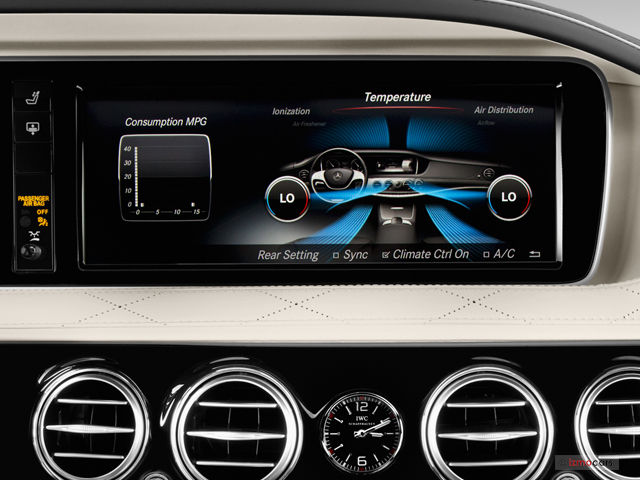 Mercedes-Benz W222 head unit