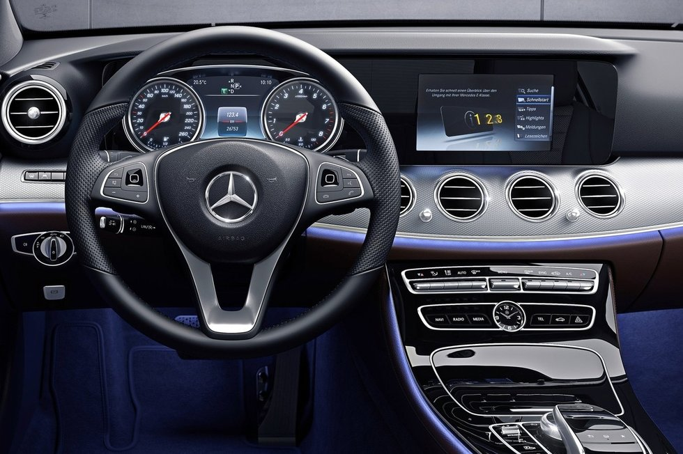 Mercedes-Benz head unit