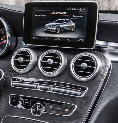 Sistema multimedia Mercedes-Benz