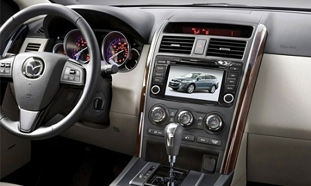 Мультимедийный навигационный центр Phantom DVM-9500G HDi в интерьере Mazda CX-9