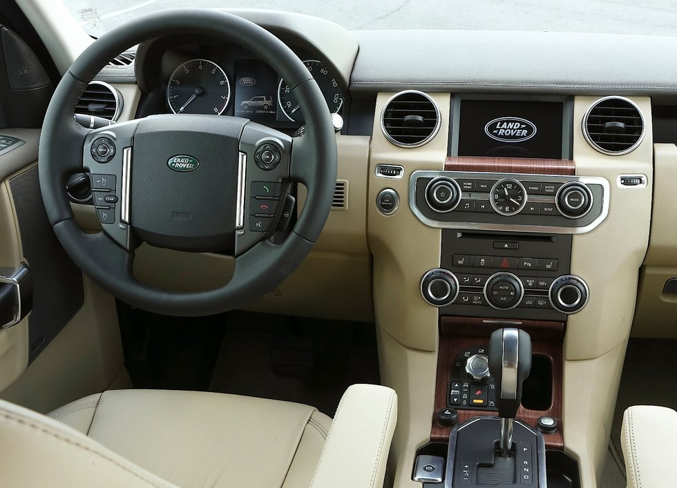 Land Rover Discovery head unit