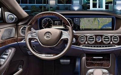 Головний пристрій Mercedes-Benz